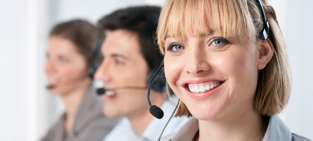photodune-7215175-happy-call-center-operators-m-1000x450